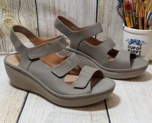 Clarks wedge sandals size 8.5